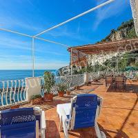 Amalfi Apartment Sleeps 6 Air Con WiFi