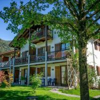 """Appartementhaus """"die Kuh am See"""" (vormals Haus St. Leonhard), hotel in Schliersee"""