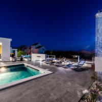 Villa Magnifica apartments with pool