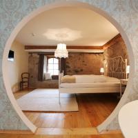 hotel rainhof scheune & naturpark restaurant (Kirchzarten), hotel in Kirchzarten