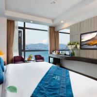 Aaron Hotel, отель в Нячанге