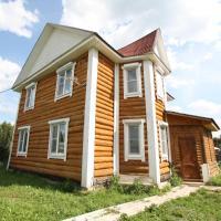 """Holiday home """"Emelya"""", hotel in Khotebtsovo"""