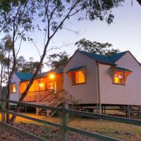 Accommodation Creek Cottages & Sundown View Suites, hotel em Ballandean