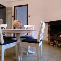 Apartamento 1 Cal Genís - WIFI, hotel in Montmajor