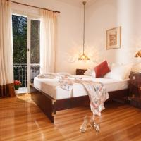 Cozy Apartment With a Vintage Touch in Kolonaki Area.