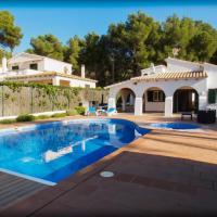 Chalet con piscina y jacuzzi (climatizado) para 8 personas