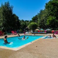 Safaritent at Camping les Bouleaux, hotel in Vilsberg
