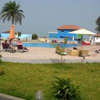 Sand Beach Hotel, hotel in Kotu