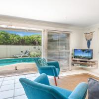 Barefoot in Lennox- WiFi - Foxtel - Pool, hotel in Lennox Head