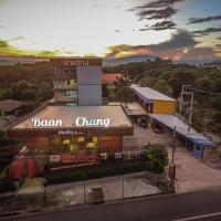 Baan Chang Hotel & Coffee House, hotel in Tak