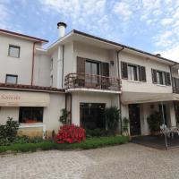 Senhor dos Perdoes Alojamento Local, hotel in Ribeirão