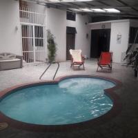 Villas Los Tres Chepes, hotel in Golfito