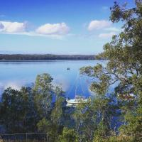 SilverWaters Waterfront Accommodation, hotel em Morisset East