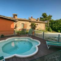 Spacious Mansion in Sant'Angelo in Vado with Pool