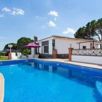 Vallcanera Villa Sleeps 7 Pool Air Con, hotel en Vallcanera