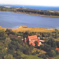 Hotel Schloss Spyker, Hotel in Glowe