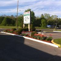 Hilltop Motel, hotel near Kingston Airport - YGK, Kingston