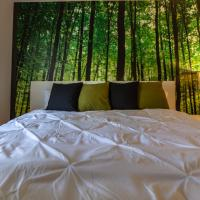 Forest Zen Retreat - King Bed - Stylish - Excellent Rating!!, hotel near John Wayne Airport - SNA, Costa Mesa