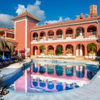 Los Arcos – hotel w mieście Nerja