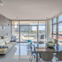 Beautiful Sunny 3 bedrooms in font of the beach