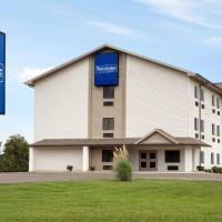 Travelodge by Wyndham Livonia, hotel in Livonia