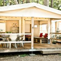 Glamping Tents | Losinj | Camp Čikat, hotel in Mali Lošinj