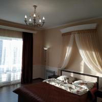 Дом в классическом стиле с уникальной гостиной, отель в городе Алёхново