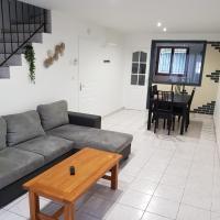 Maison meublée 84 mètre carré, hotel in Ambérieu-en-Bugey