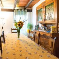 Chambres d'hôtes chez Pierrot et Flo, hotel in Vugelles-La Mothe