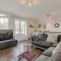2 Bedroom Apartment in the Heart of Angel