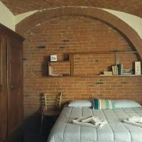 Mini-Loft tra Siena e Pienza Tradizionale Smart Traveller Friendly, hotel a Sinalunga