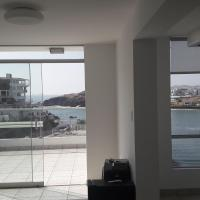 Cozy & elegant apartment with a stunning view to sea, hotel in San Bartolo