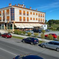 APARTAMENTOS CASAS NOVAS, hotel in Silleda