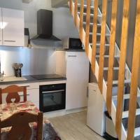 Maison mitoyenne 35 m2, hotel in Bellevaux