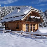Alpi Giulie Chalets, hotel in Valbruna