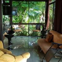 Villa Guarias, hotel in Puntarenas
