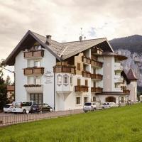 Hotel Belvedere Srl, hotell i Fai della Paganella