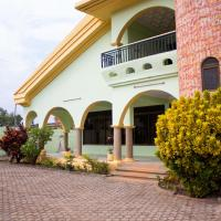 Jayliz Lodge, hotel in Tema