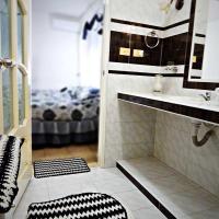 Hostal Dotres HOLGUIN, отель в городе Ольгин