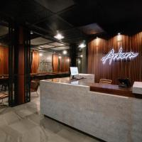 The Arbern Hotel x Bistro, hotel in Phuket