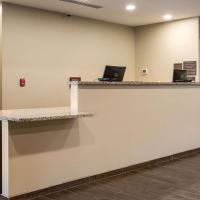 Comfort Suites, hotel in Brunswick