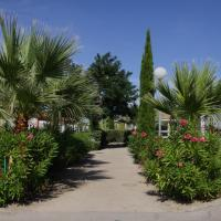 Camping Hameau Des Cannisses, hotel in Gruissan