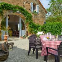 Marigny-le-Cahouet Villa Sleeps 12 Pool WiFi, Hotel in Marigny-le-Cahouet