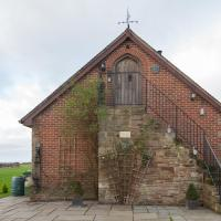 Lyde Cross Coach House by RentMyHouse