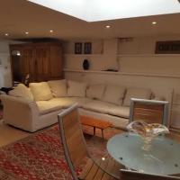 Spacious Studio Apartment in Brighton