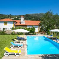 Arribao Villa Sleeps 10 Air Con, hotel in Arribão