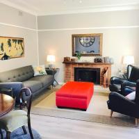 50s Fibro Chateau, hotel in Elderslie