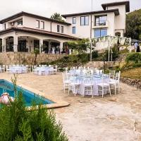 Eclectic Villa With Breathtaking Views Of Rhodopes, hotel in Bryastovo