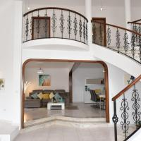 Mansion Almond - SEA, SUN and a charming refuge!, hotel en Paul do Mar