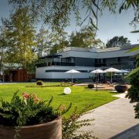 Donautica Hotel & Restaurant, hotel in Fadd-Dombori